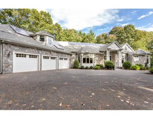 Maison unifamiliale pour l Vente à 4 Woodlock Road 4 Woodlock Road Canton, Massachusetts 02021 États-Unis