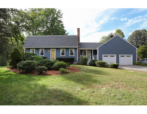 Casa Unifamiliar por un Venta en 235 Cordaville Road 235 Cordaville Road Southborough, Massachusetts 01772 Estados Unidos