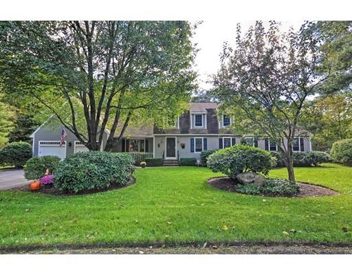 独户住宅 为 销售 在 17 Meadow Lane 17 Meadow Lane Mansfield, 马萨诸塞州 02048 美国