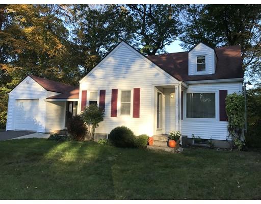 Casa Unifamiliar por un Venta en 44 Lyn Drive 44 Lyn Drive Granby, Massachusetts 01033 Estados Unidos