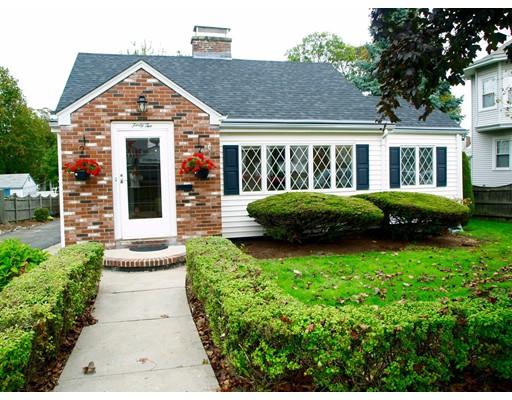Maison unifamiliale pour l Vente à 42 Atlantic Street 42 Atlantic Street Winthrop, Massachusetts 02152 États-Unis