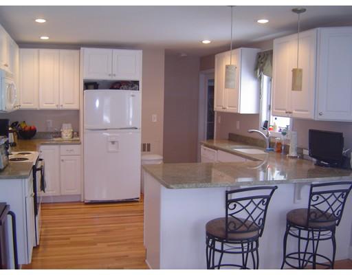独户住宅 为 出租 在 742 Ash Street 742 Ash Street 布罗克顿, 马萨诸塞州 02301 美国