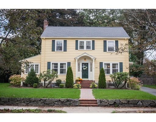 Maison unifamiliale pour l Vente à 449 Waltham Street 449 Waltham Street Newton, Massachusetts 02465 États-Unis
