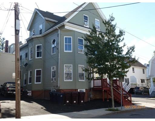 Casa Multifamiliar por un Venta en 24 Timothy Avenue 24 Timothy Avenue Everett, Massachusetts 02149 Estados Unidos