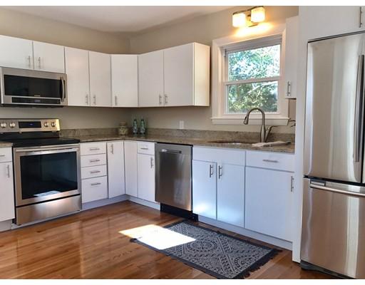 Частный односемейный дом для того Продажа на 223 Franklin Street 223 Franklin Street Braintree, Массачусетс 02184 Соединенные Штаты