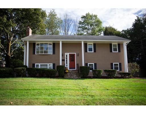独户住宅 为 销售 在 4 Canterbury Drive 4 Canterbury Drive 坎墩, 马萨诸塞州 02021 美国