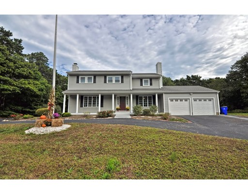 Single Family Home for Sale at 14 Tecumseh Road 14 Tecumseh Road Bourne, Massachusetts 02562 United States