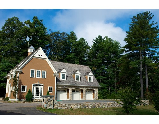 Single Family Home for Sale at 17 Pembroke Road 17 Pembroke Road Wellesley, Massachusetts 02482 United States