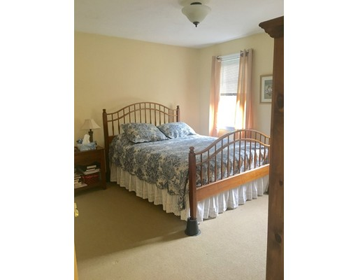 43 Champeaux Rd, Sturbridge, MA, 01518
