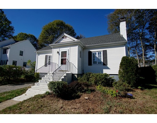 Picture 2 of 11 Puritan Rd  Danvers Ma 3 Bedroom Single Family