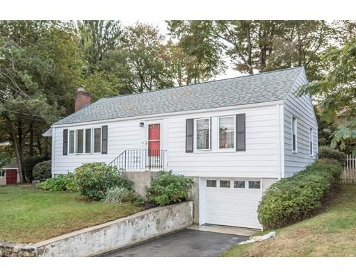 واحد منزل الأسرة للـ Sale في 10 Oak Ridge Road 10 Oak Ridge Road Stoneham, Massachusetts 02180 United States