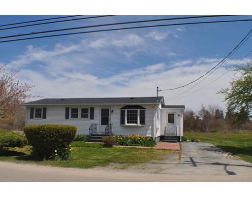 Maison unifamiliale pour l Vente à 841 Sconticut Neck Road 841 Sconticut Neck Road Fairhaven, Massachusetts 02719 États-Unis