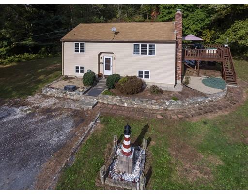 واحد منزل الأسرة للـ Sale في 542 Berkley Street 542 Berkley Street Berkley, Massachusetts 02779 United States