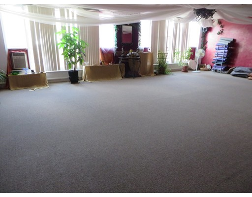 Commercial for Rent at 158 Main Street 158 Main Street Greenfield, Massachusetts 01301 United States