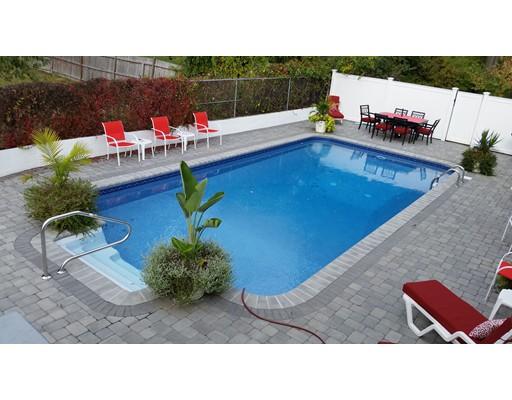 Maison unifamiliale pour l Vente à 3 Jionzo Road 3 Jionzo Road Milford, Massachusetts 01757 États-Unis
