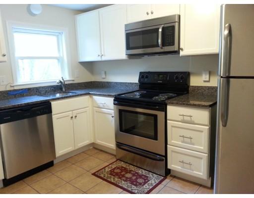 共管式独立产权公寓 为 出租 在 153 Commercial St #3 153 Commercial St #3 Braintree, 马萨诸塞州 02184 美国