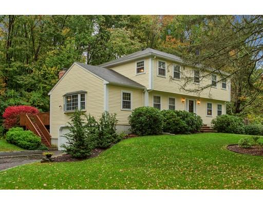 واحد منزل الأسرة للـ Sale في 173 Willow Street 173 Willow Street Acton, Massachusetts 01720 United States