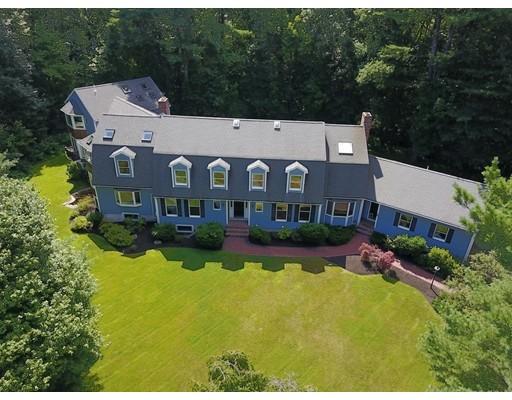 Maison unifamiliale pour l Vente à 23 DOVER FARM ROAD 23 DOVER FARM ROAD Medfield, Massachusetts 02052 États-Unis