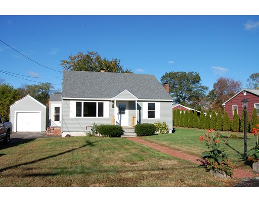 واحد منزل الأسرة للـ Sale في 114 Blaine Avenue 114 Blaine Avenue East Brookfield, Massachusetts 01515 United States