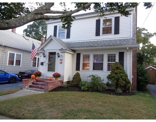 Maison unifamiliale pour l Vente à 62 Lexington Avenue 62 Lexington Avenue Cranston, Rhode Island 02910 États-Unis