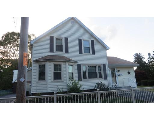 Maison unifamiliale pour l Vente à 19 Beach Street Extension 19 Beach Street Extension Milford, Massachusetts 01757 États-Unis