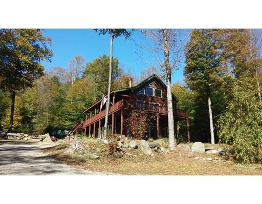 Maison unifamiliale pour l Vente à 114 Goss Hill Road 114 Goss Hill Road Huntington, Massachusetts 01050 États-Unis