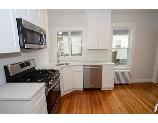 独户住宅 为 出租 在 11 Trowbridge Street 阿灵顿, 02474 美国