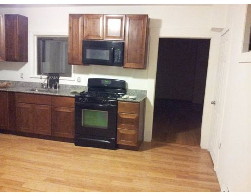 Townhouse for Rent at 82 Chestnut #1 82 Chestnut #1 Chelsea, Massachusetts 02150 United States