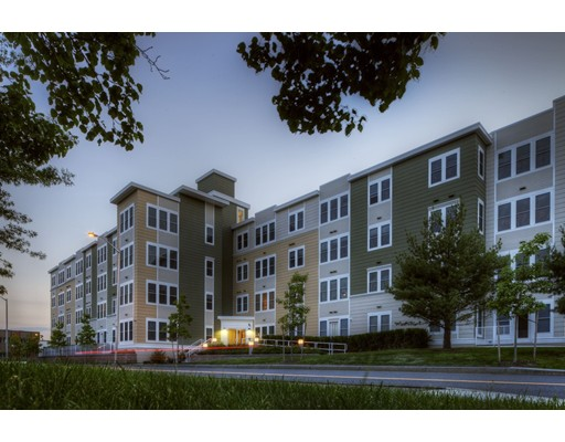 Additional photo for property listing at 87 New Street #107 87 New Street #107 Cambridge, Massachusetts 02138 Estados Unidos