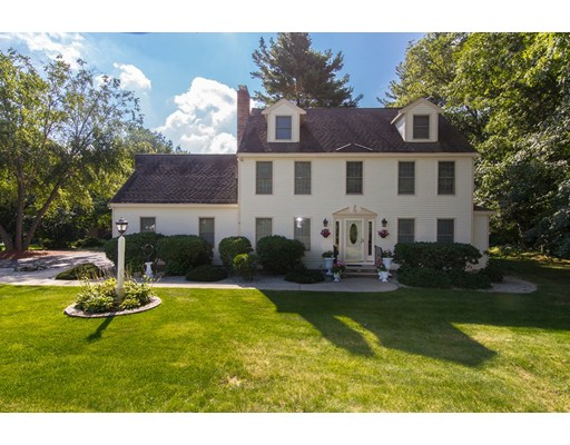 واحد منزل الأسرة للـ Sale في 9 Rolling Meadow Drive 9 Rolling Meadow Drive Holliston, Massachusetts 01746 United States