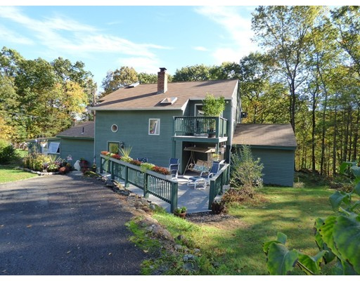 Single Family Home for Sale at 495 Montague Road 495 Montague Road Sunderland, Massachusetts 01375 United States