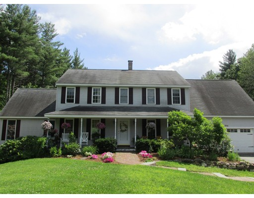 Single Family Home for Sale at 704 North Road 704 North Road Candia, New Hampshire 03034 United States