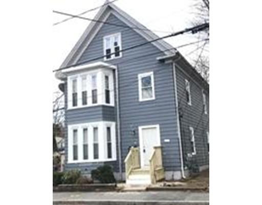 Casa Unifamiliar por un Alquiler en 65 Clinton 65 Clinton Brockton, Massachusetts 02302 Estados Unidos