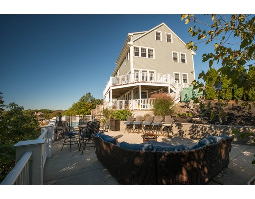 Casa Unifamiliar por un Venta en 15 Grand View Place Lynn, Massachusetts 01902 Estados Unidos