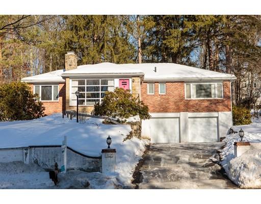 Einfamilienhaus für Verkauf beim 112 Great Plain Avenue 112 Great Plain Avenue Wellesley, Massachusetts 02482 Vereinigte Staaten