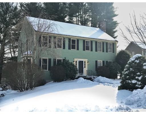 Single Family Home for Sale at 7 Holbrook Street 7 Holbrook Street Medway, Massachusetts 02053 United States
