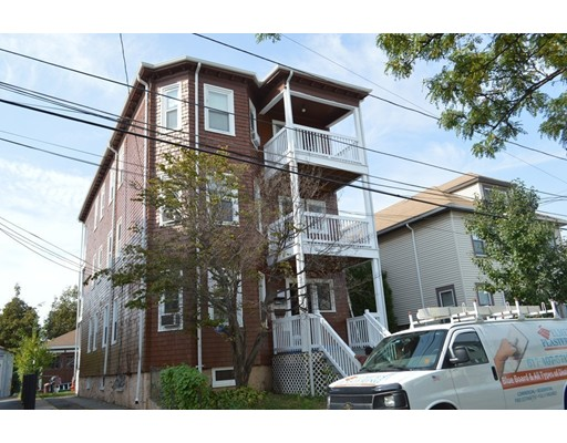 多户住宅 为 销售 在 98 Irving Street 98 Irving Street Everett, 马萨诸塞州 02149 美国