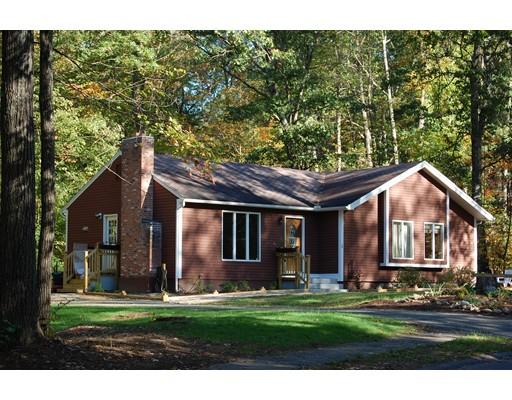 Частный односемейный дом для того Продажа на 1 Brenda Lane 1 Brenda Lane Belchertown, Массачусетс 01007 Соединенные Штаты