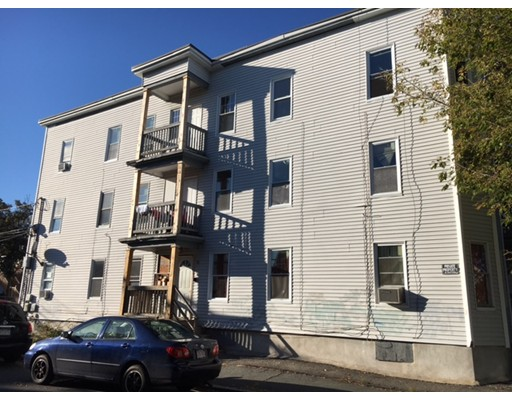 Casa Unifamiliar por un Alquiler en 115 Alder Street 115 Alder Street Lawrence, Massachusetts 01840 Estados Unidos
