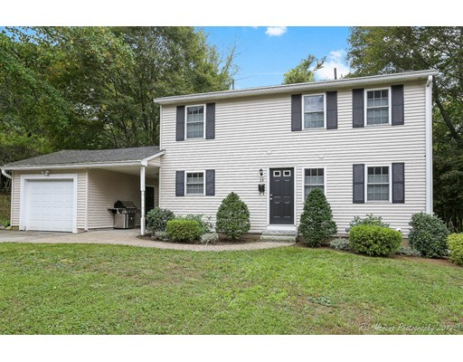 Single Family Home for Sale at 28 Lincoln Street 28 Lincoln Street Andover, Massachusetts 01810 United States
