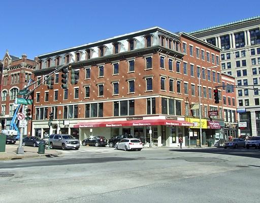 Commercial pour l Vente à 426 Main Street 426 Main Street Worcester, Massachusetts 01608 États-Unis