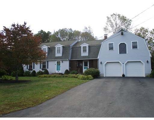 Single Family Home for Sale at 15 Hunters Drive 15 Hunters Drive Bridgewater, Massachusetts 02324 United States
