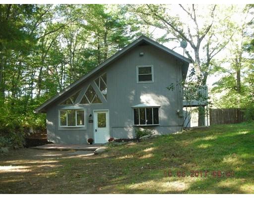 Maison unifamiliale pour l Vente à 165 Mendon Street 165 Mendon Street Blackstone, Massachusetts 01504 États-Unis