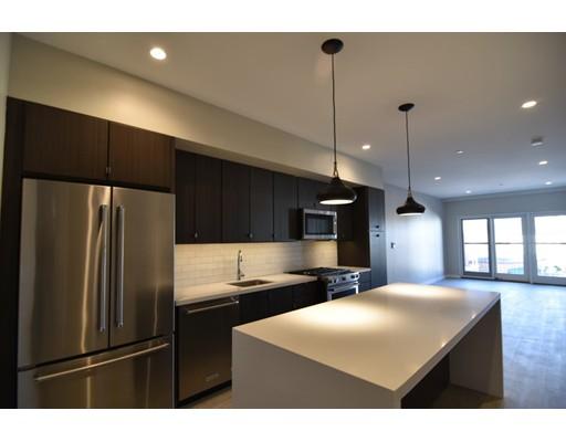 Additional photo for property listing at 120 Savin Hill Avenue  Boston, Massachusetts 02125 United States