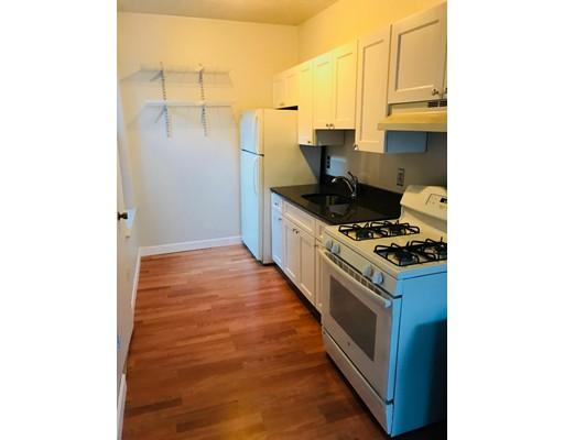 Additional photo for property listing at 10 Margaaret Street #4 10 Margaaret Street #4 Boston, Massachusetts 02113 Estados Unidos