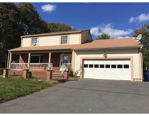 Частный односемейный дом для того Аренда на 36 Chestnut Avenue 36 Chestnut Avenue Braintree, Массачусетс 02184 Соединенные Штаты