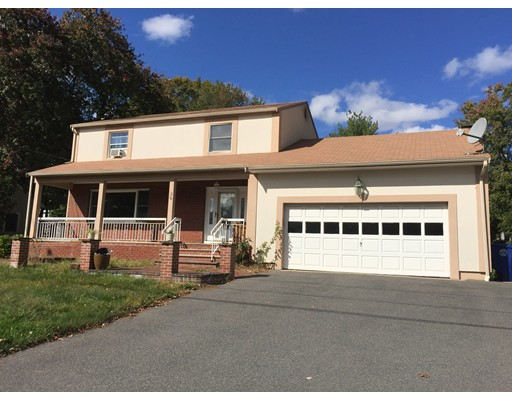 Single Family Home for Rent at 36 Chestnut Avenue 36 Chestnut Avenue Braintree, Massachusetts 02184 United States