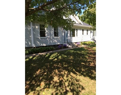 واحد منزل الأسرة للـ Sale في 81 Hillside Avenue 81 Hillside Avenue Holyoke, Massachusetts 01040 United States