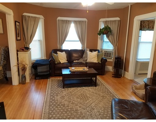 公寓 为 出租 在 50 Glen Street #2 50 Glen Street #2 Whitman, 马萨诸塞州 02382 美国