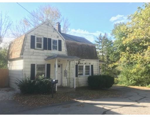 独户住宅 为 销售 在 90 Hancock Street 90 Hancock Street Dartmouth, 马萨诸塞州 02747 美国